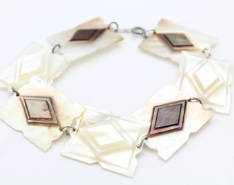 """Vintage Carved Relief Shell 8"""" Bracelet With Sterling Silver. [8015]"""