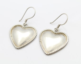 Southwestern Heart Dangle Earrings With Rope Piping in Sterling Silver. [10702]