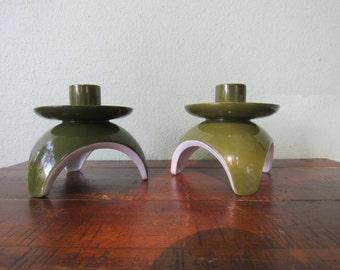 Atomic decor, green retro candlestick holders, pair of avocado green tripod candle holders, mid century decor, space like decor, 2roads2take