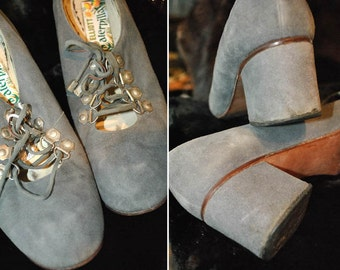 Womens vintage 1960s grey suede lace up Mod shoes by Elliott Caterpillar • 60s Mod