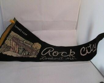 Vintage Souvenir Felt Pennant of Rock City souvenir wall art Lookout Mountain pennant Lovers Leap Souvenir pennant Rock City pennant