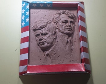 1968 John F Kennedy Robert F Kennedy Picture Mold Art Sculpture-NIB-Zutz