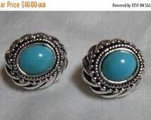 MOVING SALE Retro Southwestern Avon earrings, Blue Turquoise Lucite silver clip on earrings, retro high fashion blue Gift for her, Gingersli