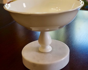 Ceramic Pedestal Soap Dish; Marble Base; Approx. 4.25 x 5 in. Elegant !!!