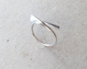 G22-Simple silver ring Sterling.