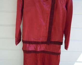"""Gorgeous Silk and Velvet 1920s Flapper Dress  -- Bust: up to 35"""" (AS IS) (LOT 1)"""