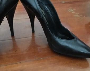 SALE! 1980s Black Leather Spike Heel Stilettos ~ Sz 5.5 US