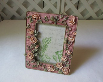 Vintage Tabletop Twining Roses Picture Frame 4 x 5