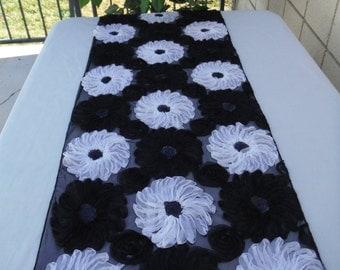 Black and white rosette table runner -  WEDDING