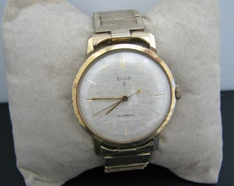 Handsome 1960's Men's Elgin Watch in Gold Tone