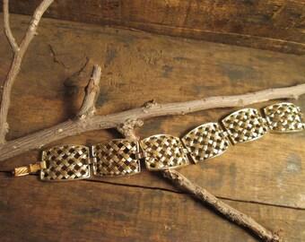 vintage gold tone sarah coventry cosmopolitan lattice braclet