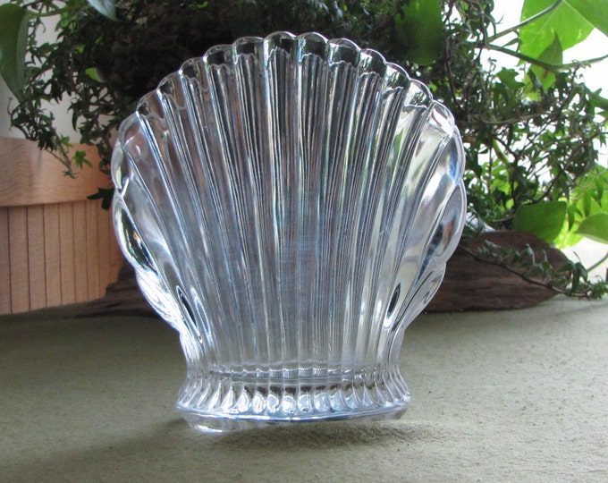 Vintage Crystal Sea Shell Vase Small Fan-Shaped Flower Arranger