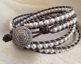 """Gray Faux Pearl Wrap Bracelet 4 Wrap Metal Mandala Button 7.5"""" Wrists"""