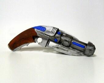 Doctor Who - Captain Jack - Sonic Blaster - Captain Jack's Sonic Blaster - Doctor Who Sonic Blaster - Jack Harkness Sonic Blaster