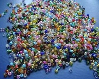 75g Rainbow Mix of Seed Beads. 11/0 - 2mm. Great for jewellery making, sewing, embroidery, pottery and numerous other crafts.