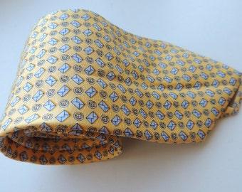 Vintage BEAUFORT tie Rack, vintage tie, yellow, mail, email
