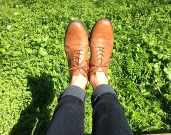 Vintage tan leather ankle boots