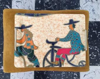 Top seventies hippie, rectangular handles characters