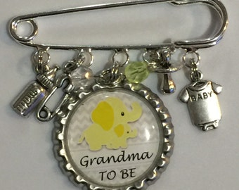 It's a girl Grandma to be pin baby shower gift