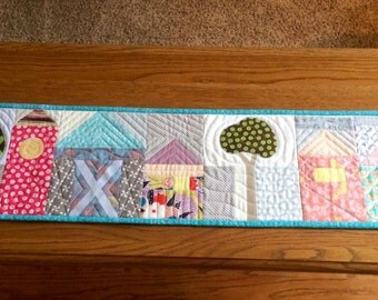 Table Runner, Handmade & Quilted