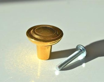 Traditional brass cupboard knob TB1