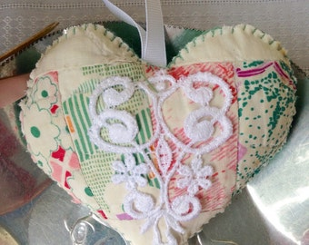 Vintage Hand-quilted Heart - 40's Fabric Hanging Heart - Shabby Chic Heart - Vintage Quilt Fabric Heart - Hand-made Vintage Quilt Heart -