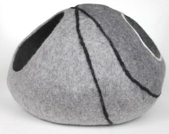 Cat cave / cat bed / felted cat cave / cat nap cocoon