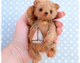 Artist teddy bear Sail