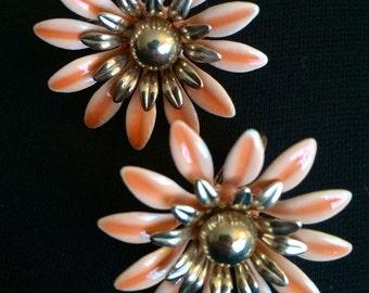 Sarah Coventry Flower Earrings