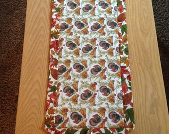 Thanksgiving Turkey/Autumn Leaves Table Runner