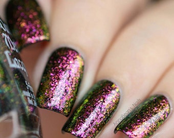 Porcelain Heart - Chrome flakie nail polish (11ml)
