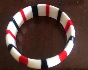 Vintage Red White and Black Striped Lucite Bangle Bracelet