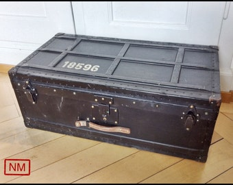 Vintage Swiss Army Officer Suitcase - Swiss Military Trunk for Officers - Made in Switzerland of Wood and  Metal -With 2 keys and extra tray