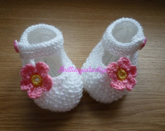 White, Knit Baby boots, knit girls boots, knit Baby booties, pink, baby girl shoes , knitted baby shoes, handmade