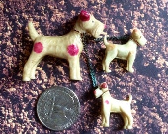 SweeT VinTaGe Miniature Dogs ~ Set of Three Chained Together