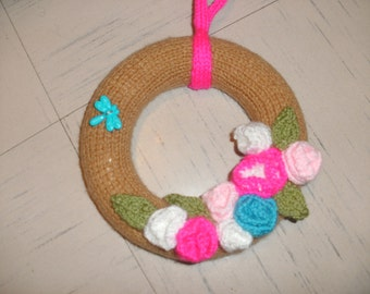 Knitted floral wreath