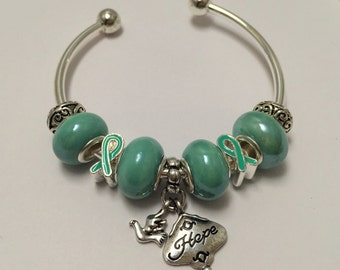 Bracelet charm's rigid, green, ref 614 Ribbon collection