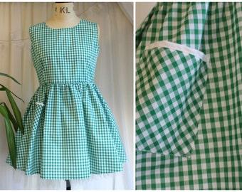 Robe en Vichy vert fait à la main, robe d'été Smock, Pin Up des années 1950 inspiré fait sur mesure, 12-14 UK / US 8-10 / EUR 40-42