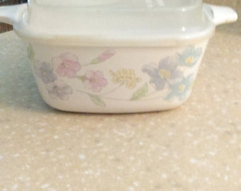 Corning Ware Pastel Bouquet 2 3/4 cup Petite Pan with Plastic Lid