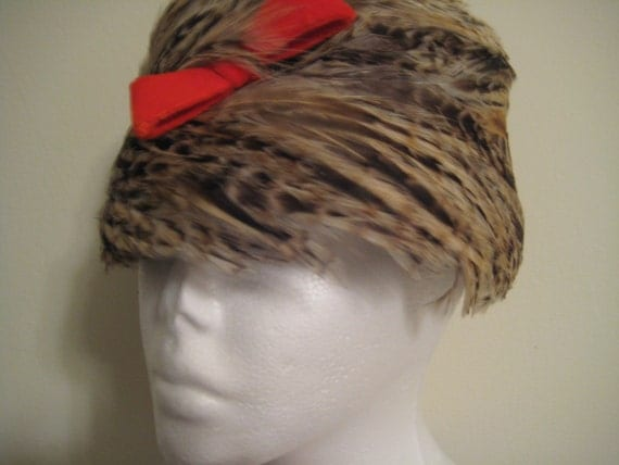 VTG Rooster Feather Pill Box Hat with Flare!