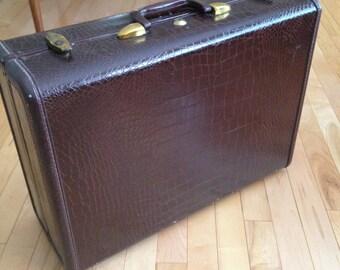 Vintage Brown Samsonite Suitcase | Faux Alligator Skin Suitcase | Faux Croc Skin Luggage | 1940's Suitcase/1950's Luggage |Samsonite Luggage