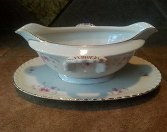 Vintage Carina China Franconia Krautheim Selb Bavaria Germany Fiorella Pattern, Gravy Boat with Attached Under Plate, Mint Condition, Pretty