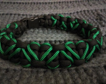 Thin Green Line Hearts Bracelet - Paracord Survival Bracelet - The Code Green Campaign - Valentine's Day - EMT - Paramedic - Firefighter