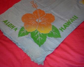 1950s Hawaiian tablecloth and napkins