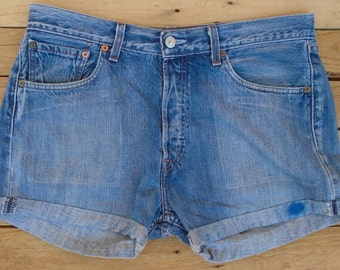 Large Levi Shorts, Vintage Levis, Levi Cut Offs, 1980s Jean Shorts, Denim Shorts, High Waisted Shorts, Size L, Blue Shorts, Vintage Wear
