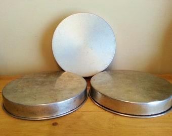 """Round Cake Pans 9"""" - Set of 3 (Mirro)"""