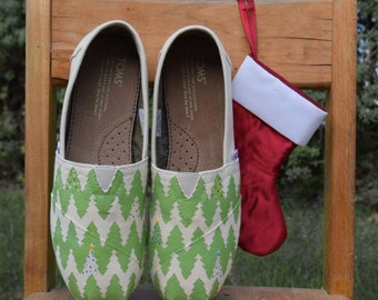 Hand-painted Christmas tree classic TOMS shoes