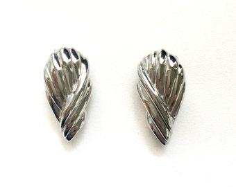 Vintage earrings, silver earrings, silver drop earrings, metal earrings, fashion earrings
