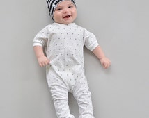 """SNAPLESS Romper """"Cross my Heart""""   Short Sleeve White & Black Baby/Children/Infant Girl/Boy Shorts/Pants One Piece Outfit"""