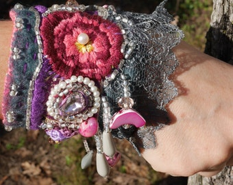 """Cuff Bracelet """"Dreams Dahlias"""" felted wool, Bracelet in textile art, romantic, bohemian cuff"""